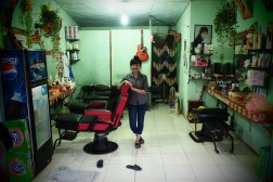 Friendly hairdresser in Pakse