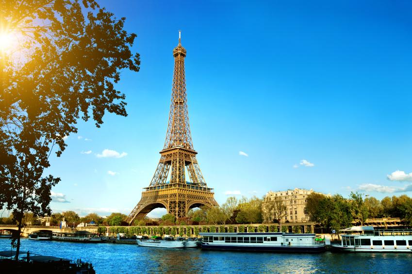 Paris, na França é um destino na lista de lugares para conhecer dos leoninos e dos librianos