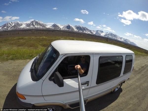 Lauren e Craig já percorreram mais de 120 km a bordo da Daphne, uma Dodge Camper Van
