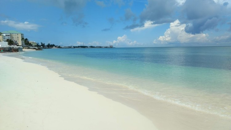 Cable Beach - Nassau