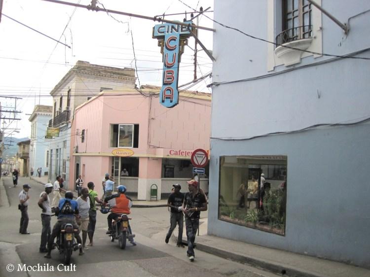 Essa é a rua comercial de Santiago, José A. Saco