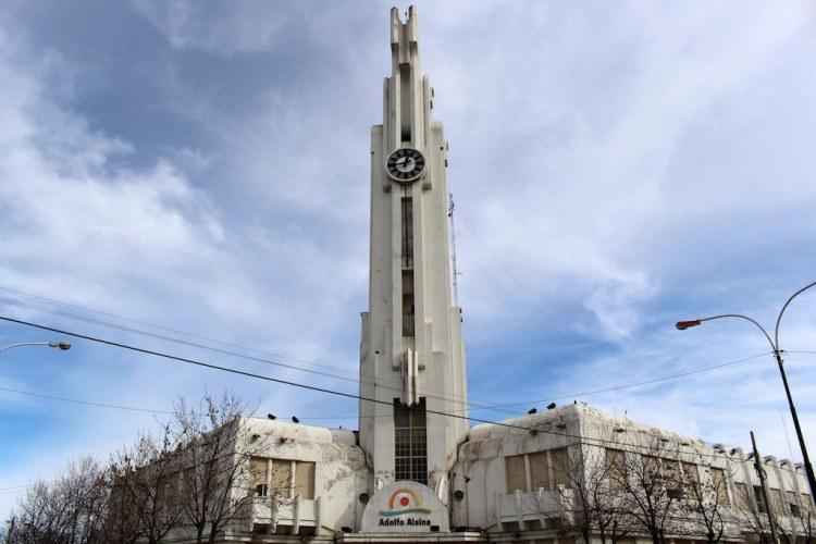 Praça principal de Carhué