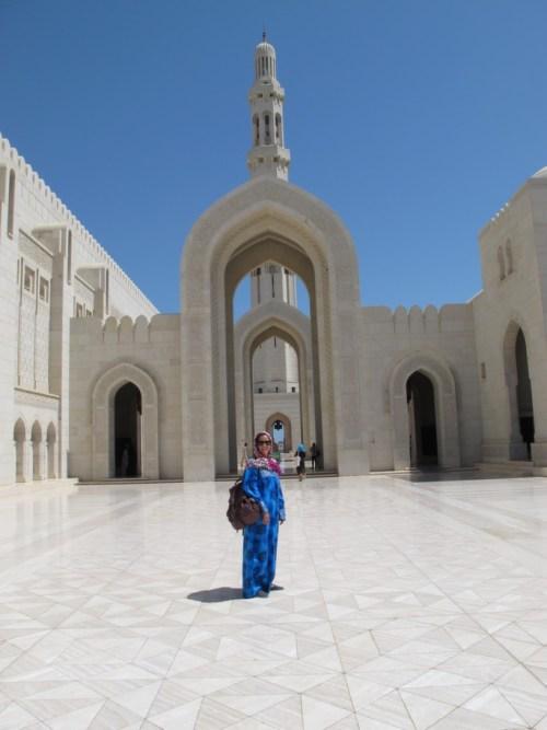 Com traje típico em Muscate, Omã