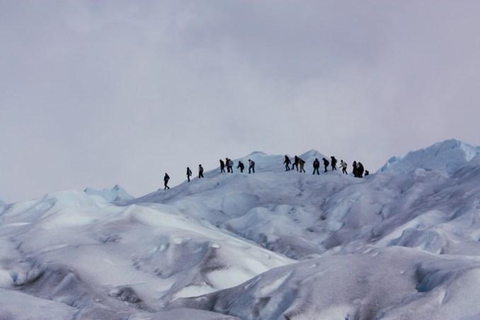 Trekking no Perito Moreno, atração de El Calafate (foto: Eduardo Vessoni)