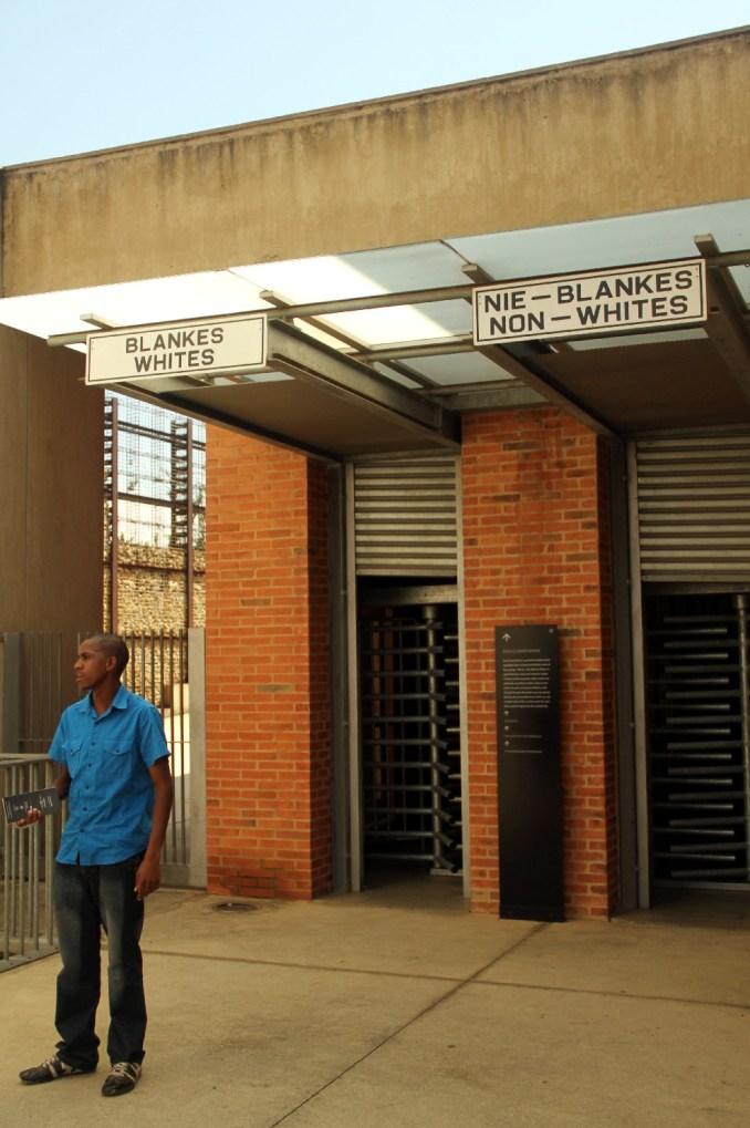 Apartheid Museum, em Joanesburgo (foto: Eduardo Vessoni)