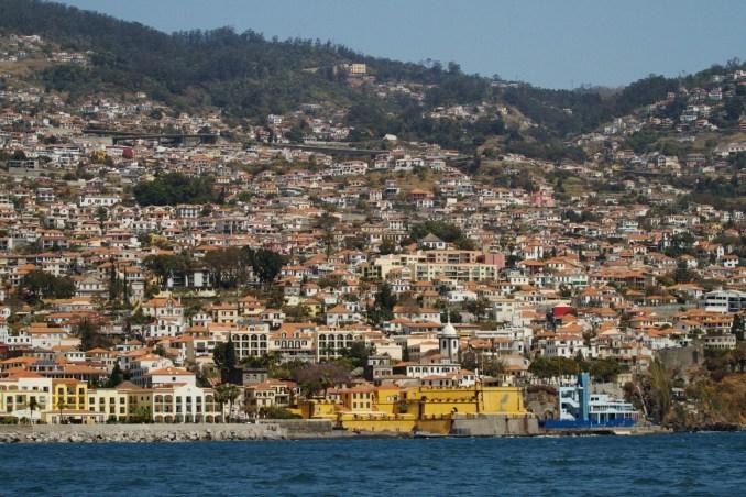 No ranking de países mais seguros do mundo, de acordo com o Global Peace Index 2019, Portugal ficou em 3º lugar. Na foto, vista da Ilha da Madeira (foto: Eduardo Vessoni)