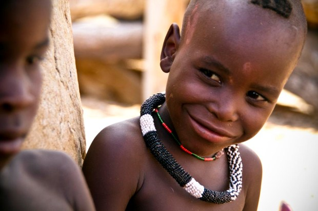 Crianças Himba, na Namíbia (foto: Marc Veraart/Flickr - Creative Commons)