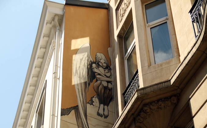 Obra L'Archange do artista belga Yslaire, em Bruxelas (foto: Eduardo Vessoni)