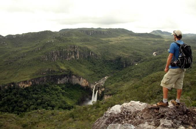 Vista da queda de 120 metros do Salto do Rio Preto I, na Chapada dos Veadeiros, em Goiás (foto: Eduardo Vessoni)