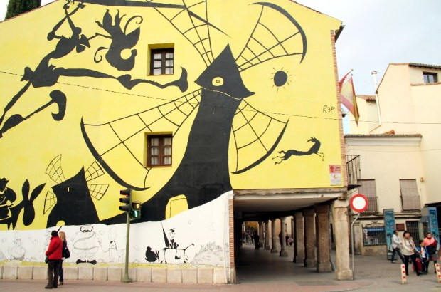Mural na Calle Mayor, em Alcalá de Henares (foto: Eduardo Vessoni)