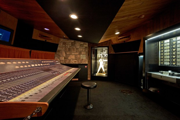Antigo estúdio do Queen, em Montreux, na Suíça (foto: Richard Gray/The Studio Experience)