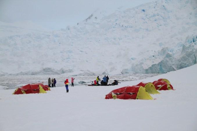 Camping ma Península Antártica (foto: Eduardo Vessoni)