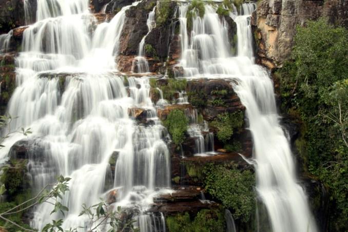 Detalhe da Almécegas 1, cachoeira localizada na Fazenda São Bento, próximo a Alto Paraíso (foto: Eduardo Vessoni)