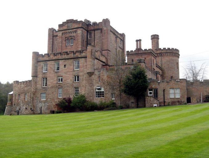 Fachada do Castelo de Dalhousie, na Escócia (foto: CaptainOates/Flickr-Creative Commons)