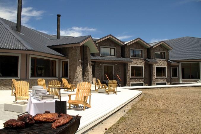 Churrasco na área externa do Corralco Resort de Montaña (foto: Eduardo Vessoni)