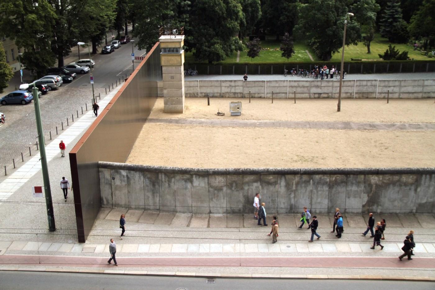 Exemplo de como o muro dividia Berlim (foto: Eduardo Vessoni)