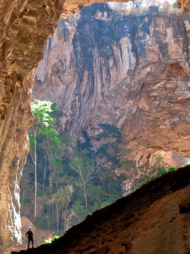 Trilhas no Parque Nacional Cavernas do Peruaçu