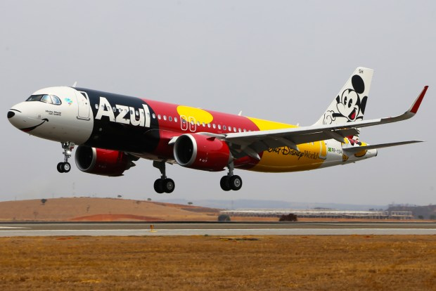 abre_Chegada Avião Mickey em BH_Foto_Luís Alberto Neves (24)