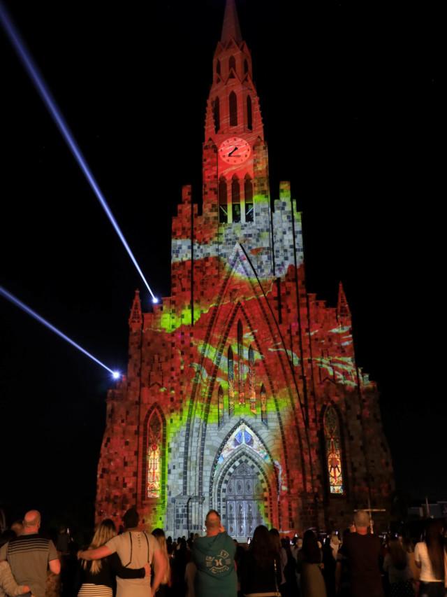 Show de luzes na Catedral de Canela, na Serra Gaúcha