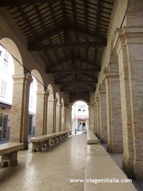PiazzaCavourRimini1