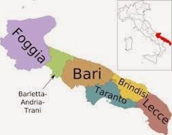 Mapa da Itália com todas as regiões. apúlia (Puglia)