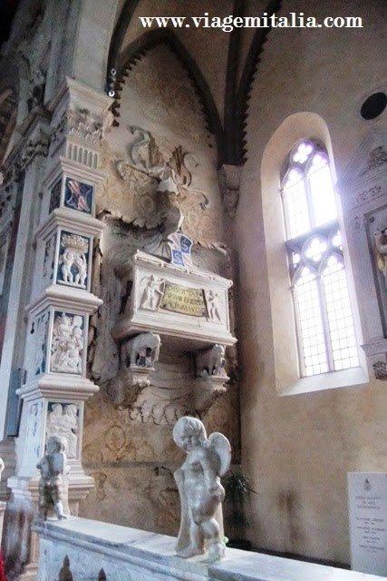 Pontos turísticos em Rimini, Itália. Templo Malatestiano