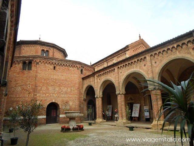 Dicas em Bolonha: ⛪ Basílica de Santo Stefano