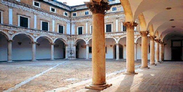Urbino, Itália, Patrimônio UNESCO no centro do país.