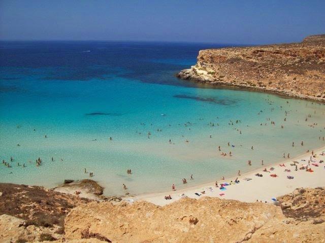 Praia dos Coelhos, Ilha de Lampedusa, Sicília.
