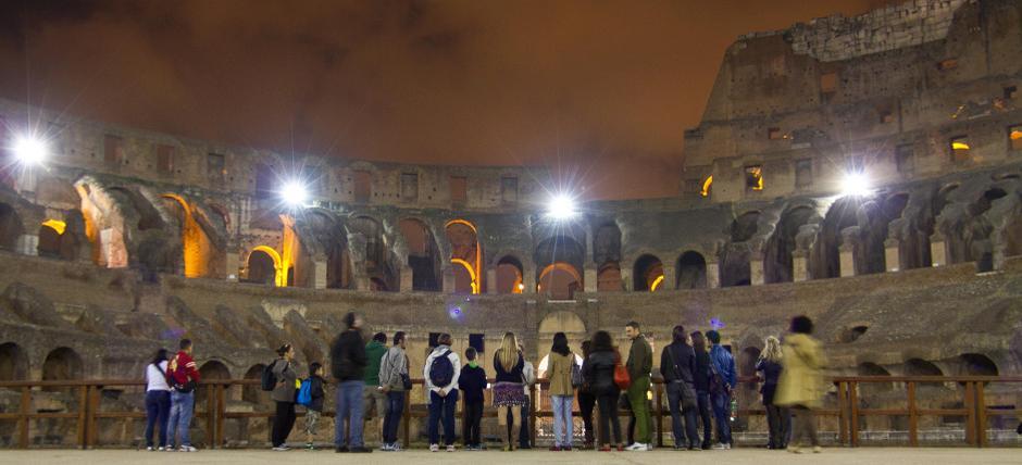 🌙 Coliseu de Roma: visitas à noite em um dos principais monumentos do mundo