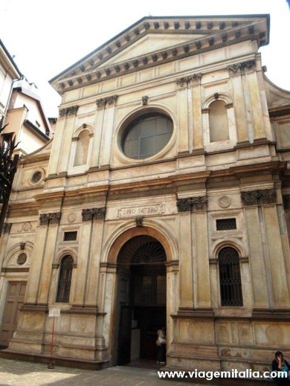 O que fazer em Milão. Igreja de Santa Maria presso San Satiro