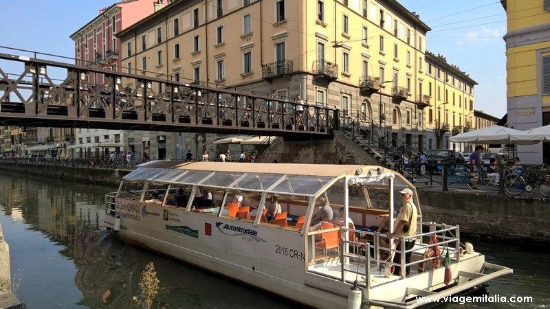 Tours de barco pelo Navigli, Milão