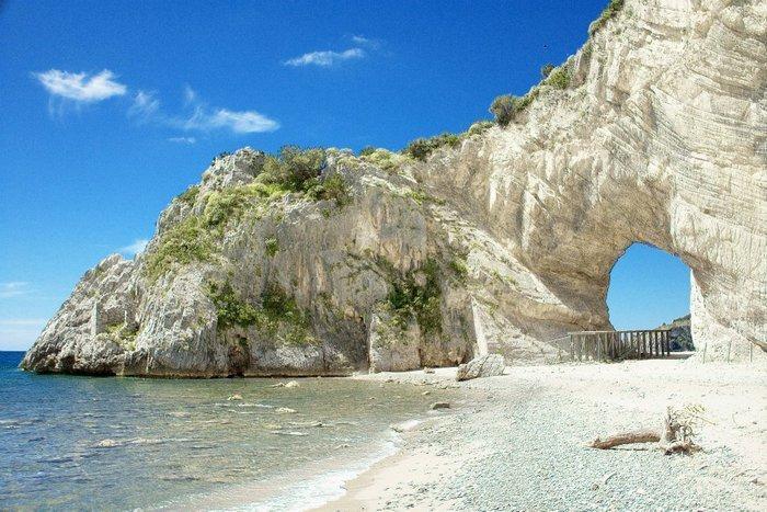 Os 10 arcos naturais mais bonitos da Itália