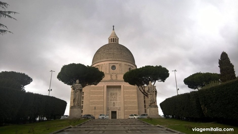 Igreja dos Santos Pedro e Paulo, EUR, Roma