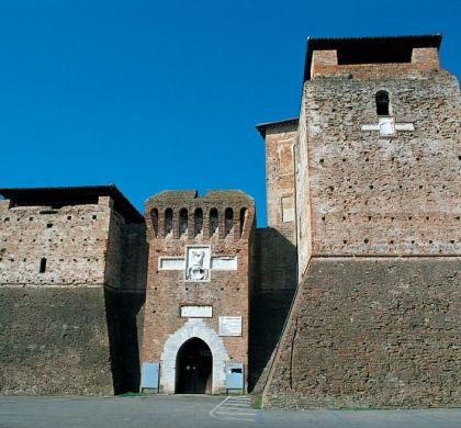 🏰 Castelo de Rimini: símbolo de poder da família Malatesta