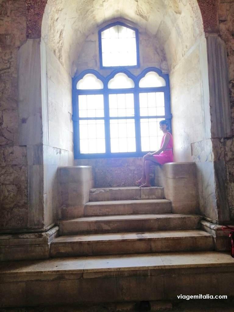 Um dos castelos mais misteriosos do mundo: Castel del Monte, Patrimônio Unesco no sul da Itália.