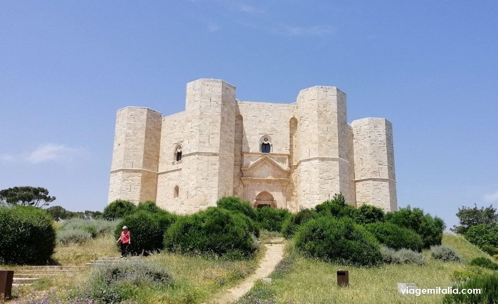 Castel del Monte, sul da Itália, um dos castelos mais misteriosos do mundo.