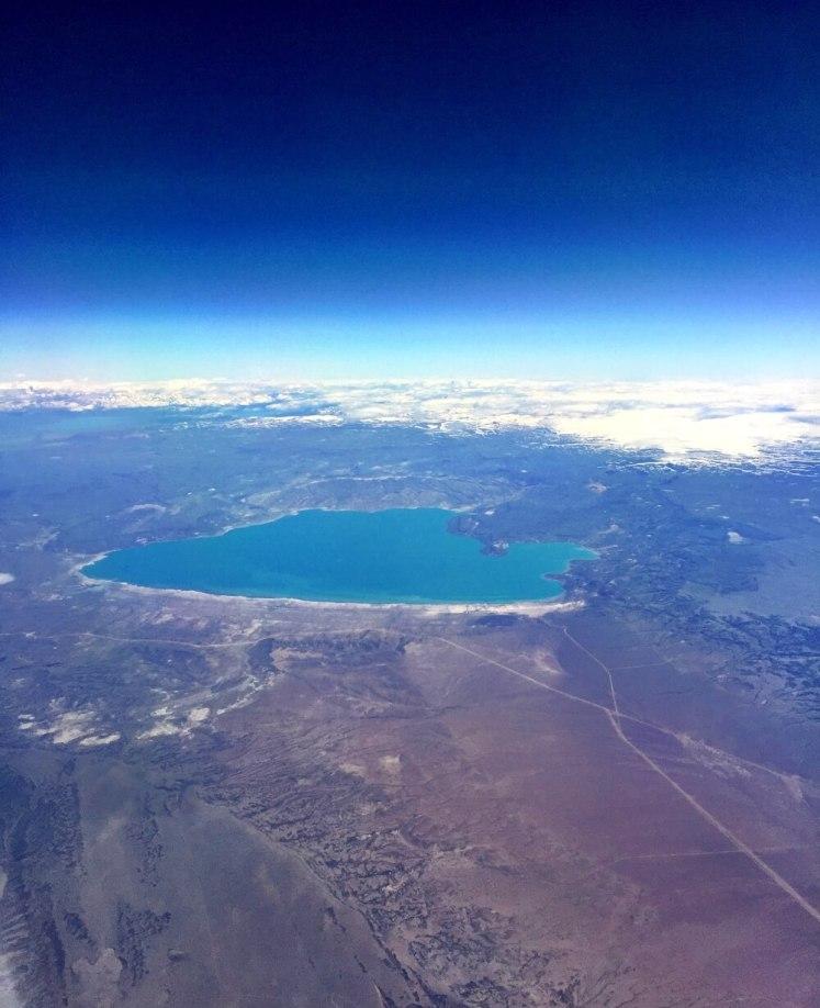 Vista aérea da Cordilheira dos Andes, já quase pousando em El Calafate.
