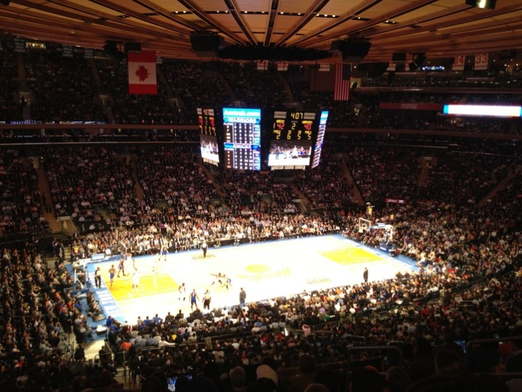 Golden State Warriors x New York Knicks no Madison Square Garden