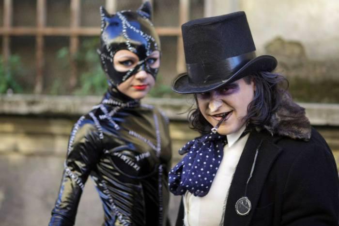 Catwoman e il pinguino di Batman cosplay al Lucca Comics & Games 2014
