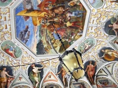 Affreschi del soffitto all'ingresso del Palazzo della Prefettura, Genova.