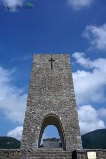 Il Memoriale della strage di Sant'Anna di Stazzema è una delle cose da vedere in Versilia.