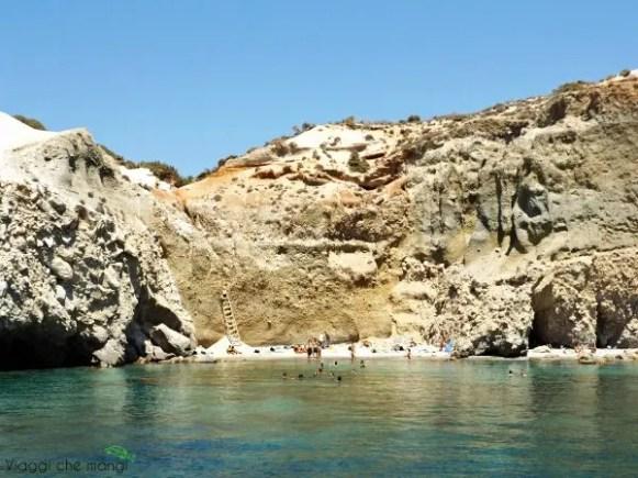 spiaggia di Tsigrado a Milos