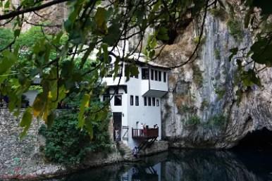 Tekija di Blagaj, una delle cose da visitare nei dintorni di mostar.