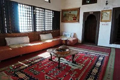 Sala del Museo Etnografico di Krujë, una delle città da visitare in Albania.