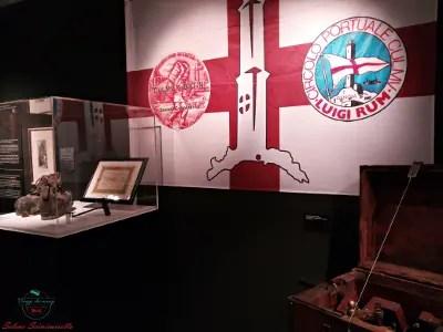 Oggetti dei camalli esposti alla mostra sulla lanterna di genova.