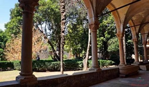 Chiostro del monastero benedettino dell'isola di Lokrum, una delle location di game of thrones in croazia.