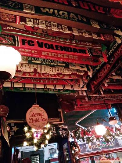 Louis bar uno dei posti dove bere birra ad amsterdam vicino a piazza dam.