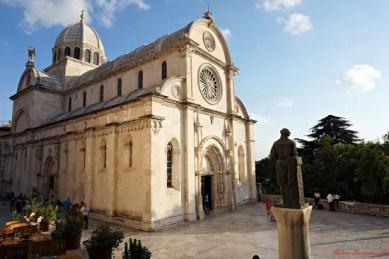 cosa vedere nei dintorni di spalato: sibenik e la sua cattedrale, una delle location di game of thrones in croazia.