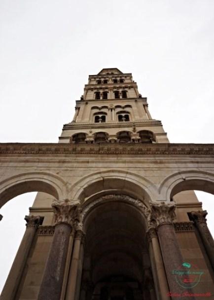 cosa vedere a spalato: la cattedrale di san Domnio e la sua torre.